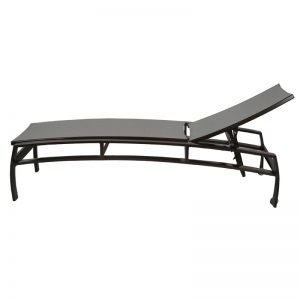 E613 Chaise Lounge with Wheels