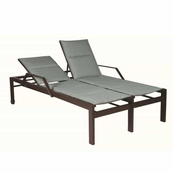 E499 Double Chaise 18 Seat with Arms and Wheels